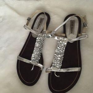 STEVE MADDEN Silver thong sandals  Size 9
